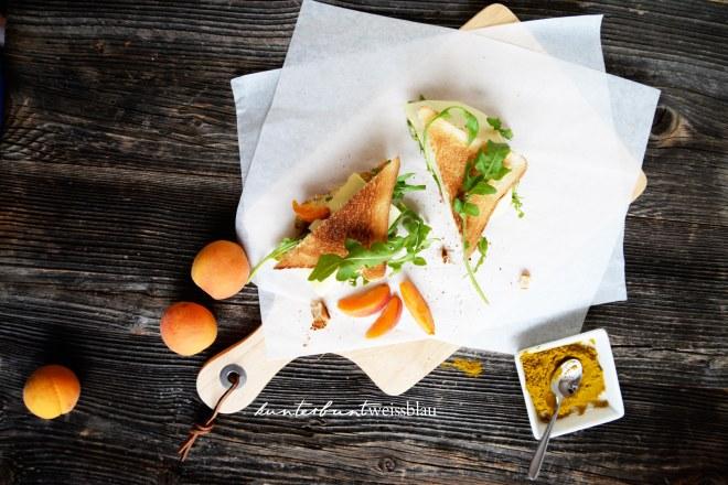 Aprikosen Hähnchen Sandwich