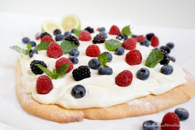 Beeren_Creme Fraiche Kuchen