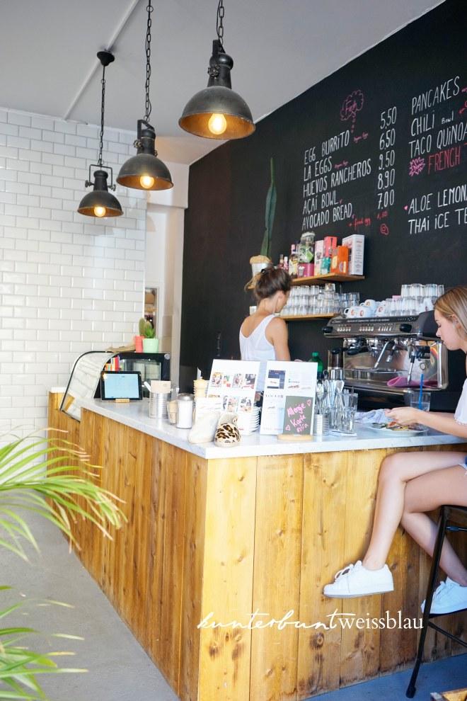 lax-eatery-bar